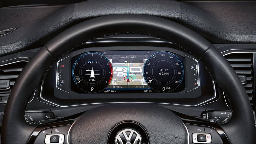 Європейський автобестселер Volkswagen T-Roc виходить на український ринок -  - vw t roc active info display