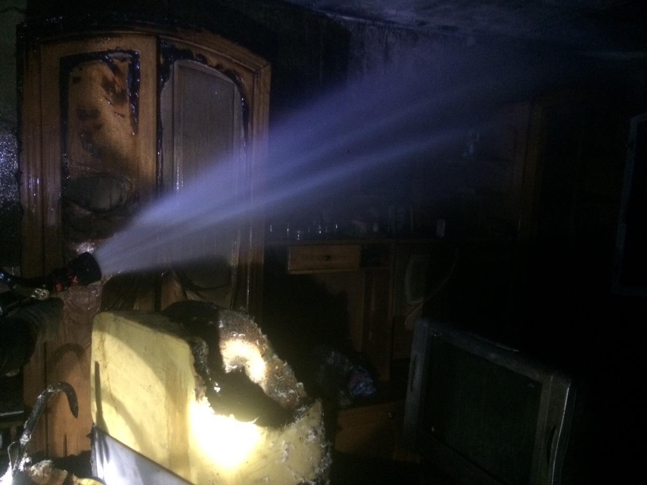 У Білій Церкві під час пожежі врятували жінку, прикуту до ліжка - рятувальники, пожежа, ДСНС, Біла Церква - yzobrazhenye viber