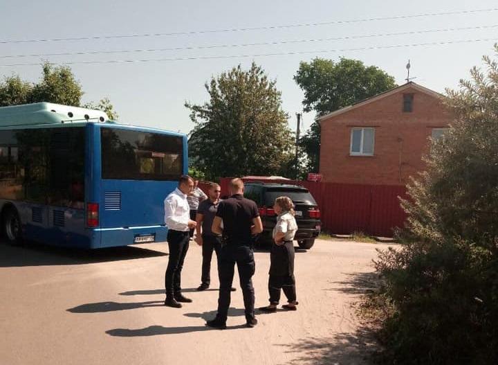 У Вишгороді тестують міський автобусний маршрут №2 - міська рада, київщина, зупинка, Вишгород, автобусний маршрут - 0611 Zupynka sady obriz