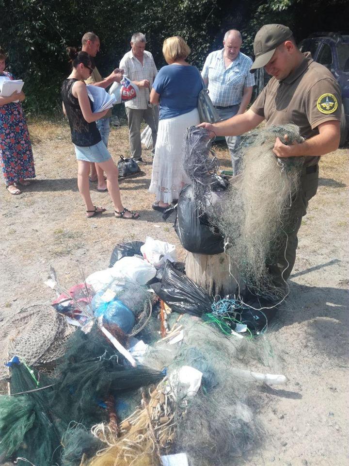 У Вишгороді було знищено рибальські знаряддя лову - київщина, Київський рибоохоронний патруль, Вишгород, браконьєри - 0627 Rybpatrul siti3