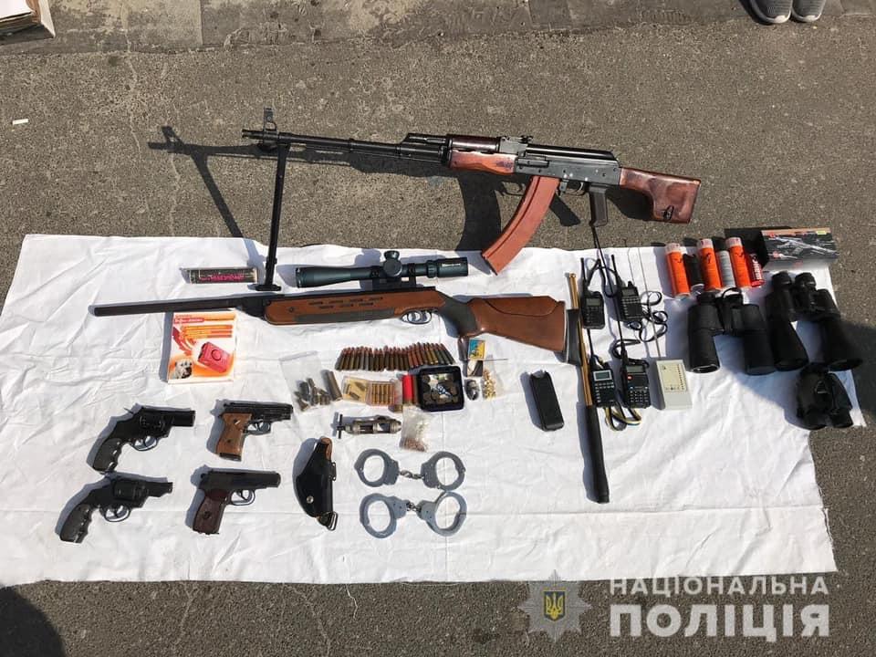 61846503_730556654007090_8794451919499165696_n Поліцейські затримали злочинців на крадіжці у Боярці: відео