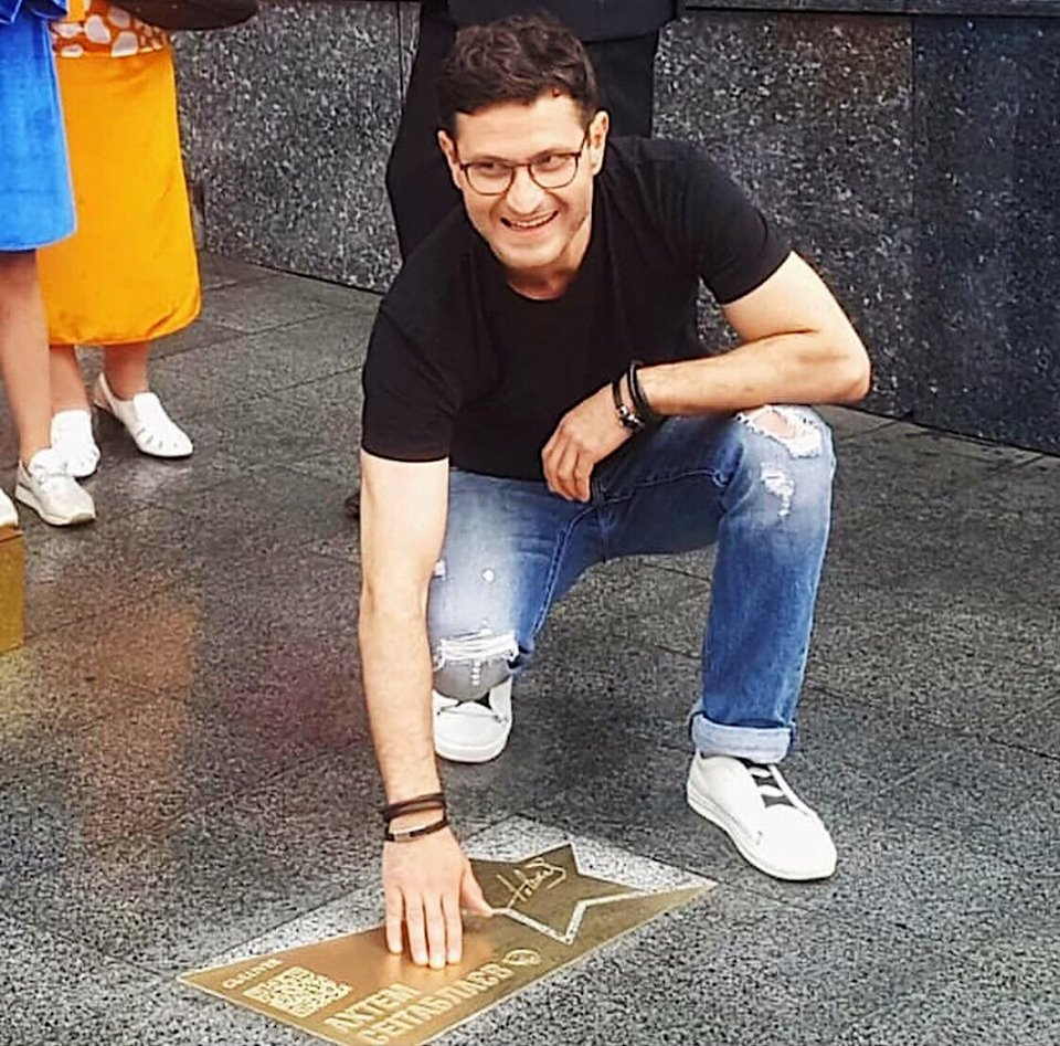 На «Площі зірок» у Києві відкрили зірки ще двох українських акторів -  - 65370433 2622783631067093 335563801971654656 n