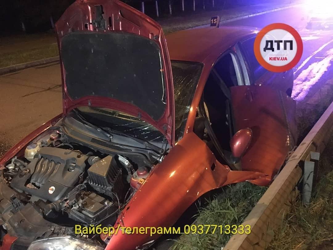 IMG_20190610_075353_125 Смертельна ДТП на Борщагівці: непристебнутий водій вилетів з машини