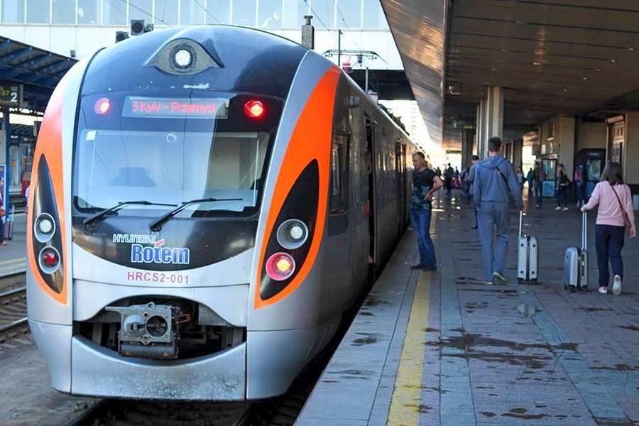 У польському  Перемишлі зустріли мільйонного пасажира поїздів Інтерсіті+ Київ – Перемишль -  - Intercity Kyiv Vinnytsya Khmelnytsky Ternopil Lviv Przemysl