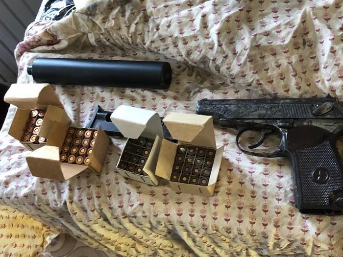 Підпільні зброярі: на Київщині СБУ накрила нелегальну майстерню, де виготовляли кулемети, гвинтівки, пістолети - СБУ, пістолет, незаконний продаж зброї, набої, кримінал, київщина - Zbroya