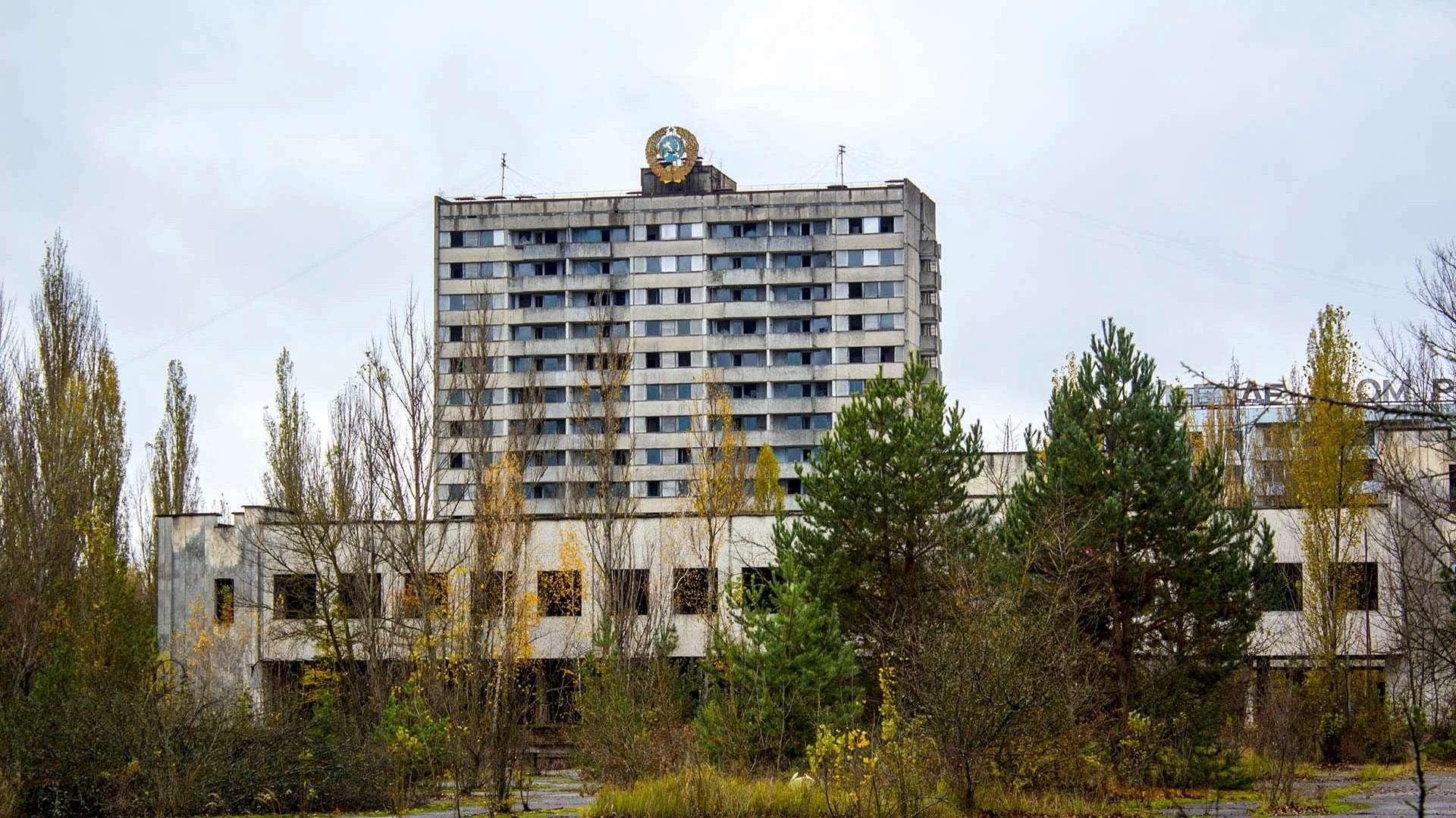 ehkskursiya-v-chernobyl До Чорнобилю линуть туристи : успіх однойменного серіалу спонукає його шанувальників побувати у зоні відчуження