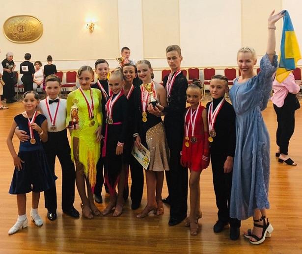 Вишгородські танцюристи зайняли призові місця на конкурсі у Грузії - призові місця, київщина, Вишгород - 0715 Diamond1 obriz