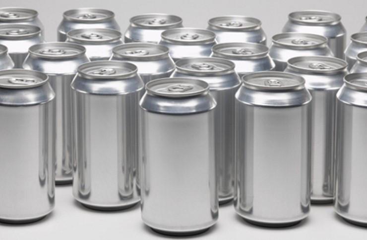 19_banky Друге «життя»: як із алюмінієвих та металевих бляшанок «народжуються» літаки та цвяхи (ВІДЕО)