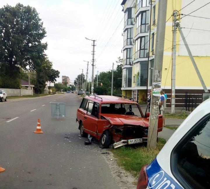 У Борисполі легковик в'їхав у стовп -  - 66611482 843735489332940 7067865527384801280 n