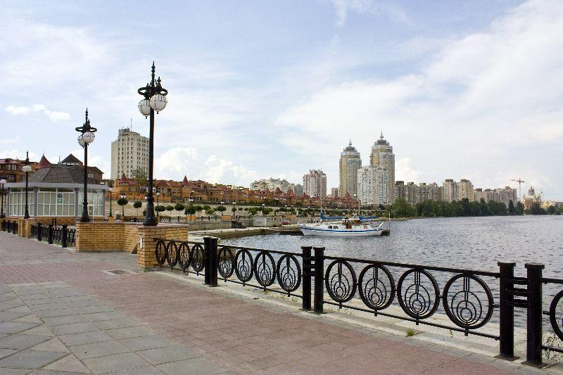 9733_800x600_vid-na-obolonskuyu-naberegnuyu1 У Києві святкуватимуть День Дніпра