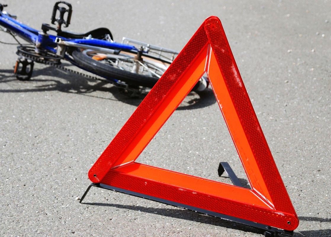 DTP-velo Велосипедисту зламали ногу: у Тетієві кермувальник авто не дотримався безпечної відстані