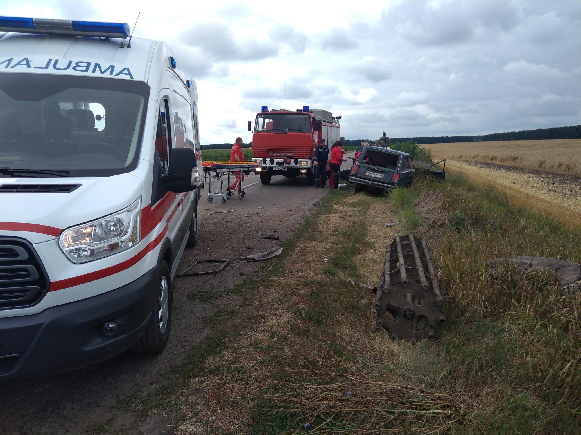 IMG_20190710_115356-2000x1500 У Баришівському районі «ВАЗ 2104» зіткнувся із трактором
