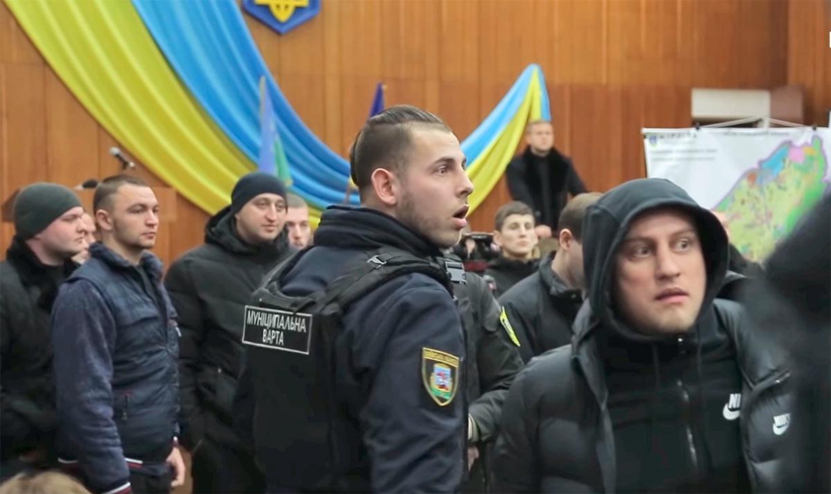 Mutnytituh-1 Головний поліціянт Київщини Андрій Нєбитов не бачить «Ірпінського Чикаго»?