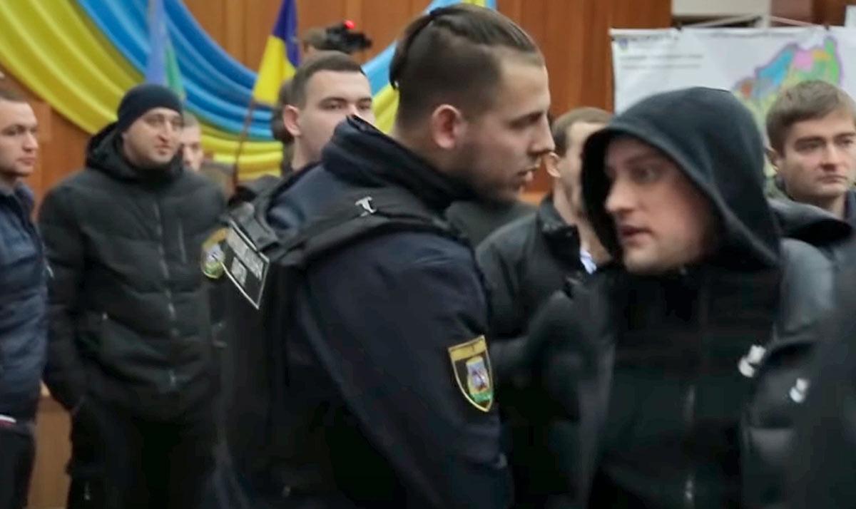 Mutnytituh Головний поліціянт Київщини Андрій Нєбитов не бачить «Ірпінського Чикаго»?