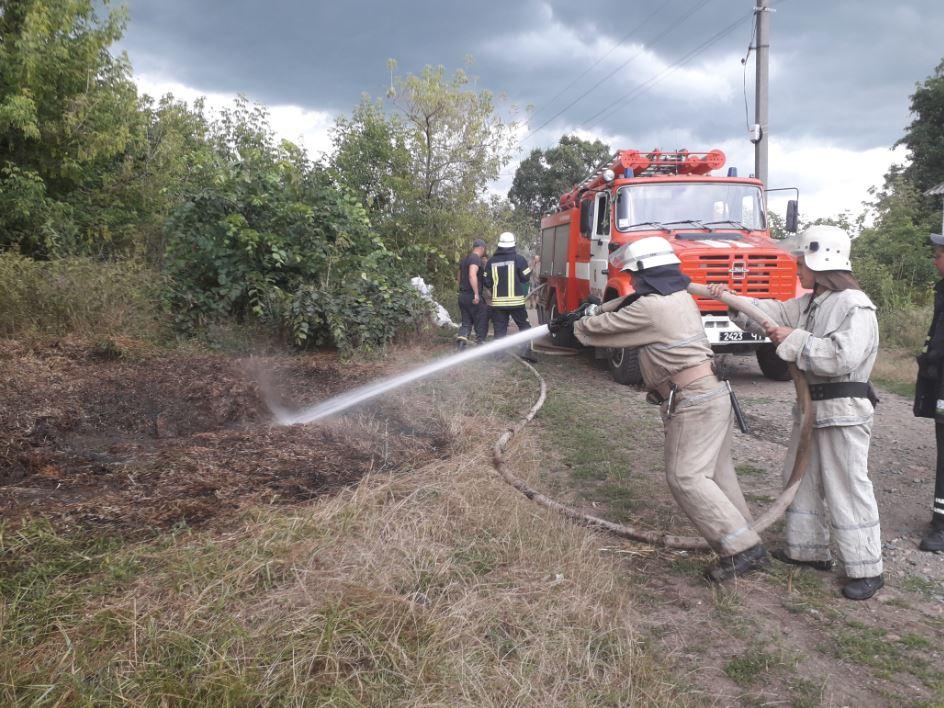 Soloma На Володарщині горіла солома – вогонь знищив стратегічну сільськогосподарську сировину