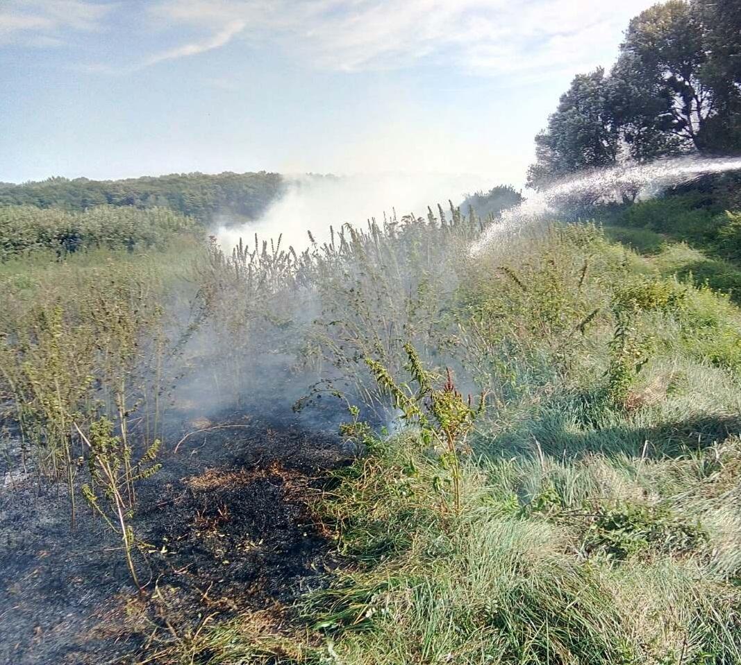 В Яготині та районі сталося дві пожежі -  - 0 02 0a 5b6e0d60eb50032434a6003a8fe80be590b82d4968a2f1ea1715f54f88fb5a0b 1cfa543f