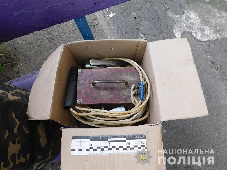 0807_Obolno_Kradizhky3 Зловмисник за допомогою викрутки «чистив» автівки