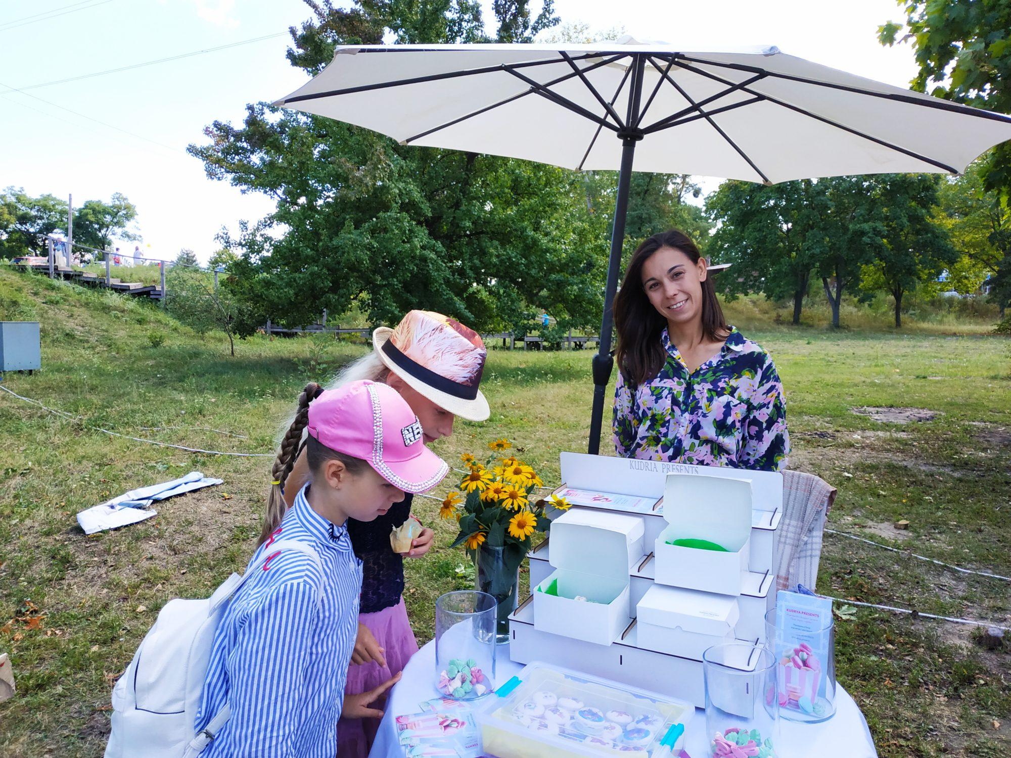 «Свято родинних традицій» у Вишгороді зібрало друзів і партнерів - Фестиваль, Вишгород - 0810 Rod Trad makaruny 2000x1500