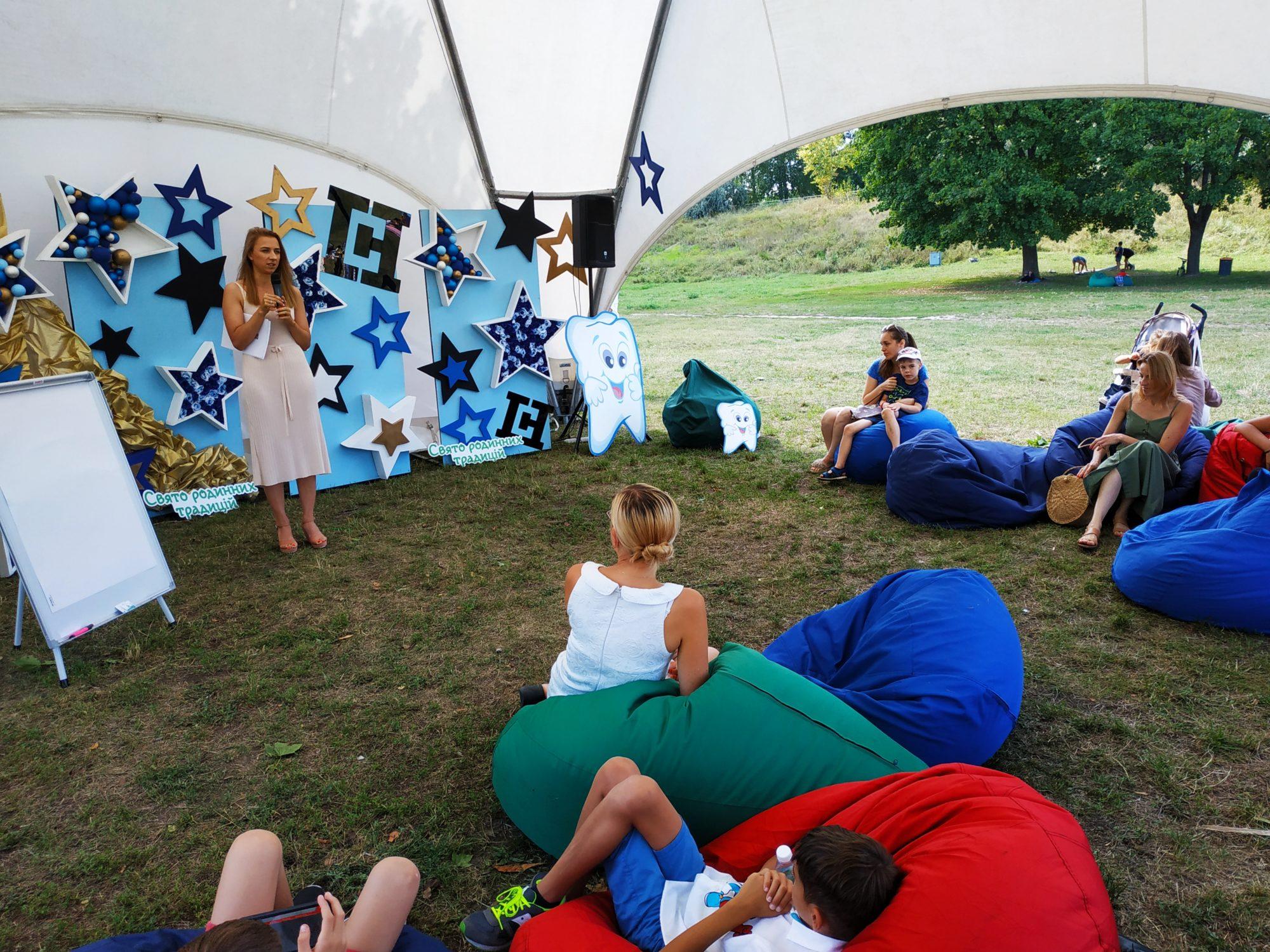 «Свято родинних традицій» у Вишгороді зібрало друзів і партнерів - Фестиваль, Вишгород - 0810 Rod trad lektsiya 2000x1500