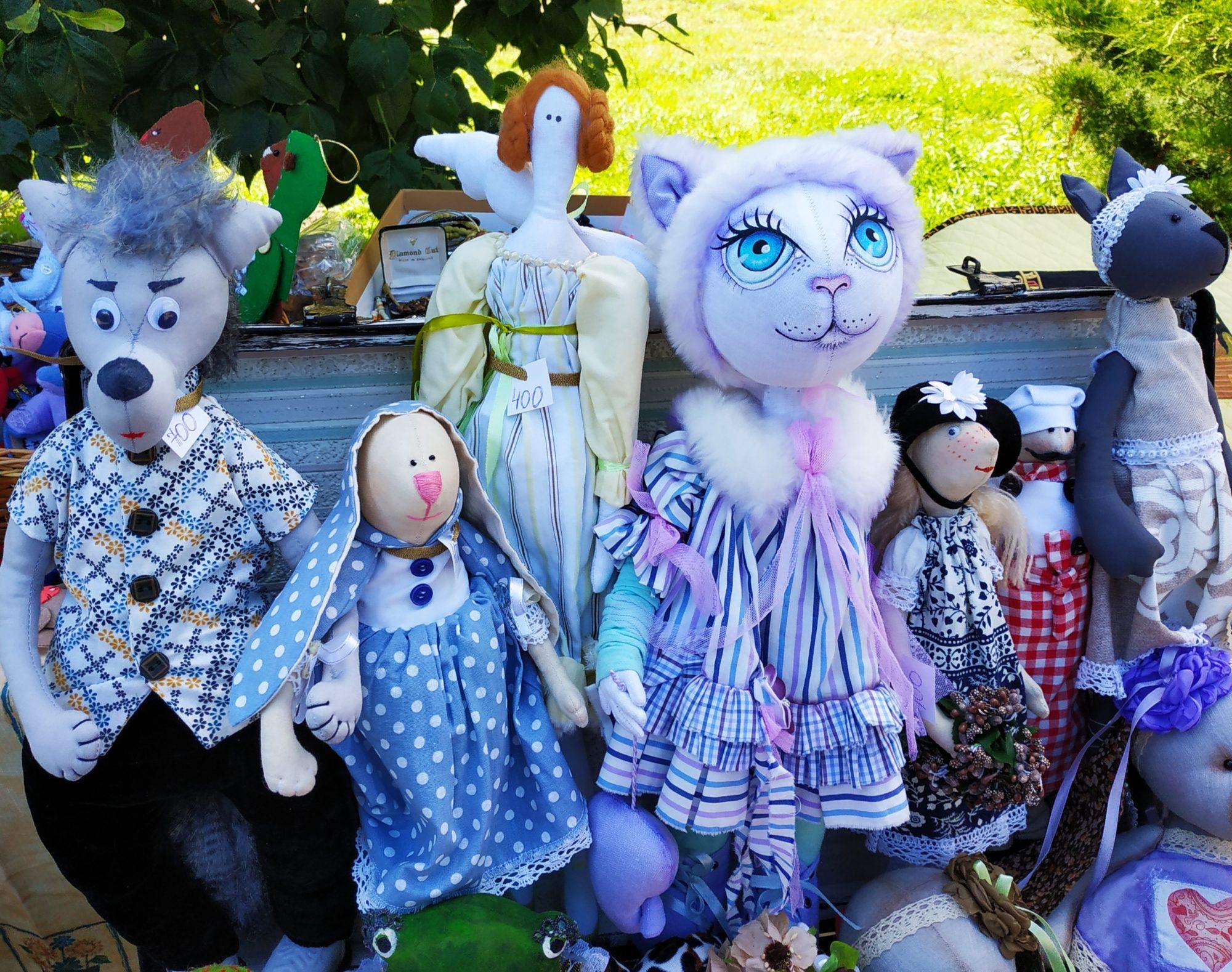 «Свято родинних традицій» у Вишгороді зібрало друзів і партнерів - Фестиваль, Вишгород - 0810 Rodynni lyalky 2000x1578