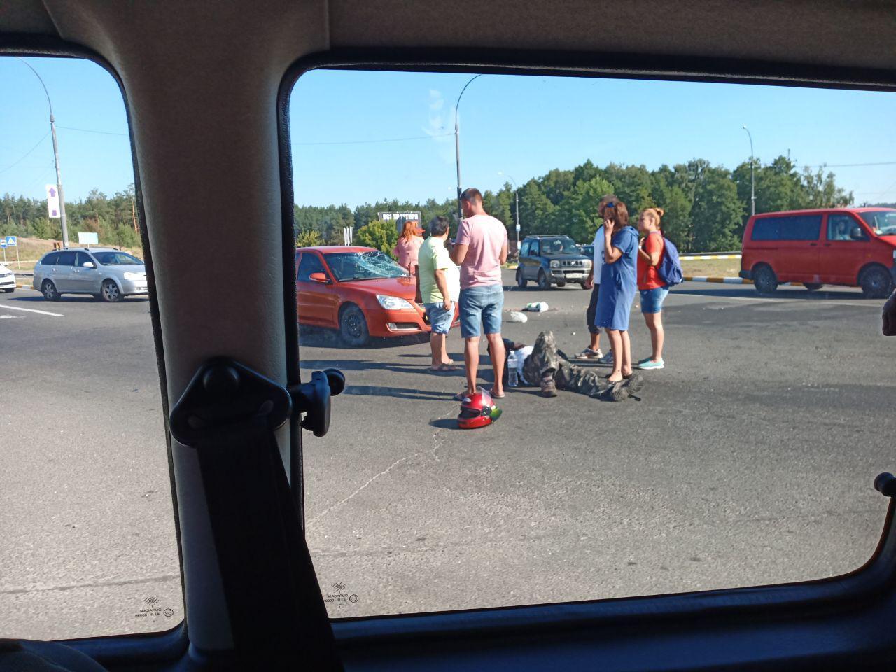 На в'їзді в Ірпінь сталося ДТП, постраждав водій мопеда -  - 1 3