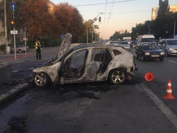 Моторошна ДТП на проспекті Перемоги: згоріло авто та загинула жінка - ДТП - 1abc5954b2cfc2e7658e789405a9ff5e6cd52a69