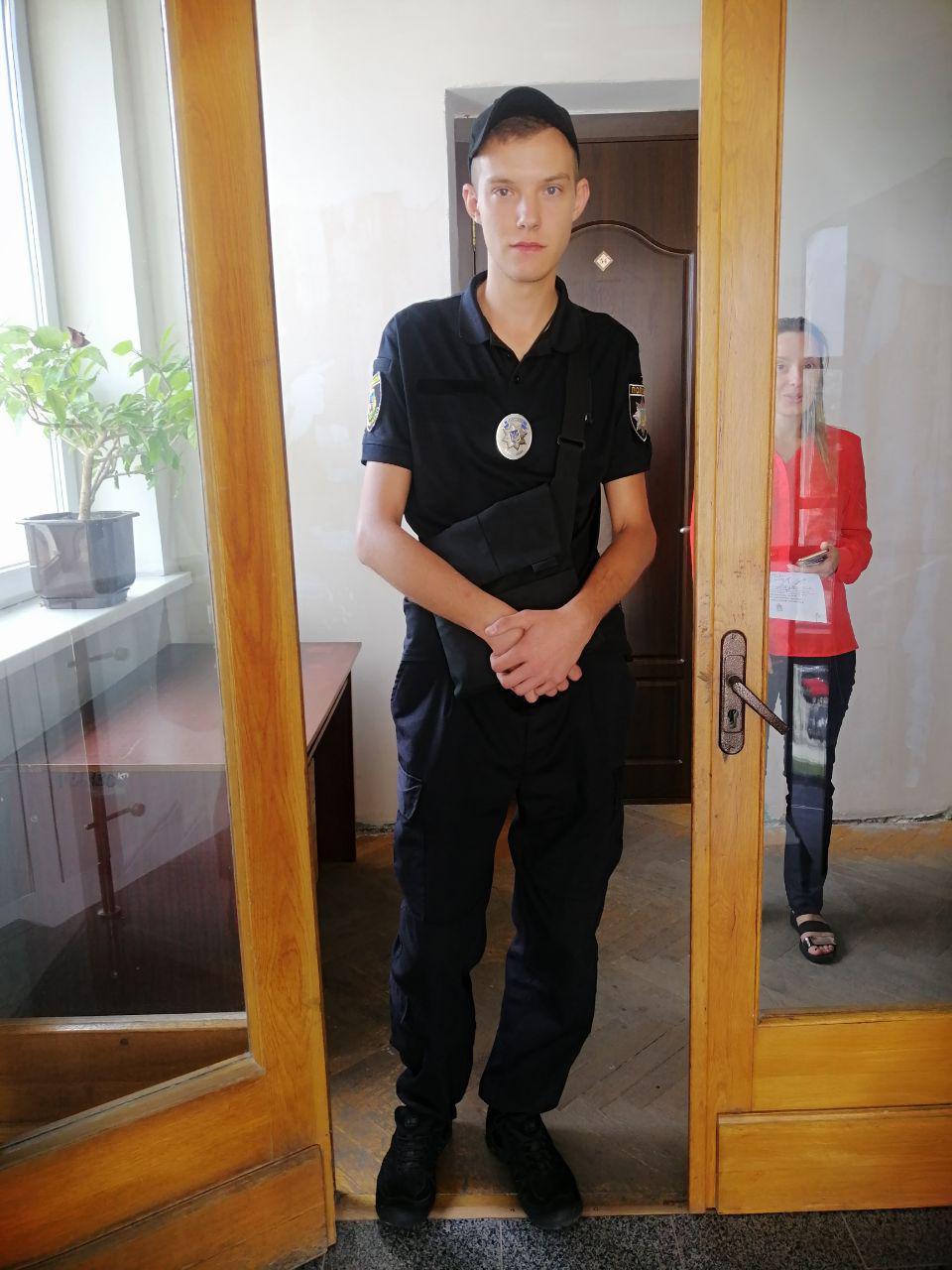 В Ірпінській міськраді відбуваються обшуки - Поліція, обшуки, Ірпінська міська рада - 1o