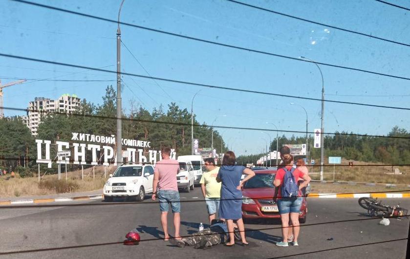 На в'їзді в Ірпінь сталося ДТП, постраждав водій мопеда -  - 2 kopyya