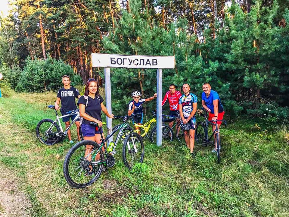 60 км позаду – емоції переповнюють: на Богуславщині відбувся масштабний велозаїзд (ФОТО) - велосипедисти, велосипедист, велосипед, велопробіг - 20 velo5