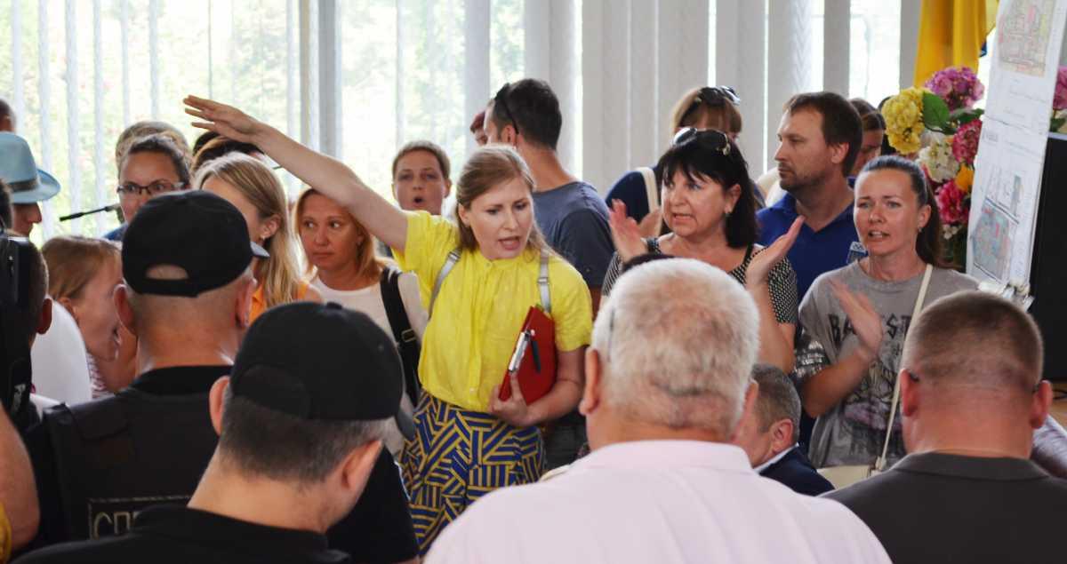 У Вишневу розглянуть питання припинення повноважень депутата від БПП -  - 31.05.18 skandal miska rada