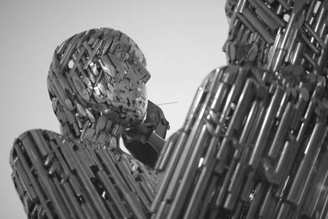 На столичній набережній встановили скульптуру закоханих -  - 5d64dfa547eca