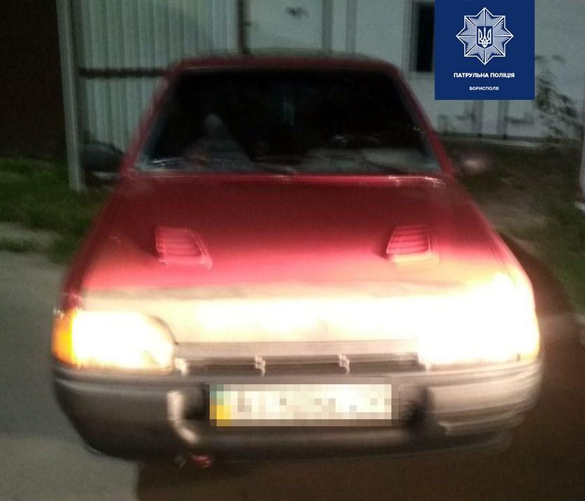 3 в 1: нетверезим, у розшуку і з підробленим посвідченням зупинили водія у Борисполі