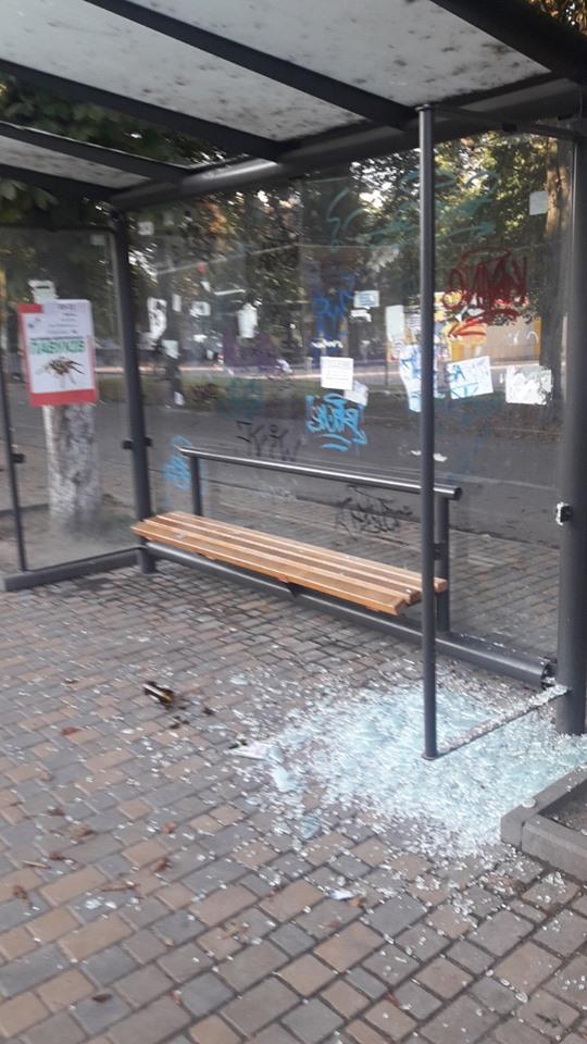 В Броварах вандали пошкодили зупинку громадського транспорту -  - 67671811 347299389515095 1536513228610207744 n
