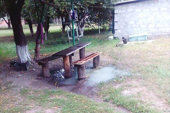 У Борисполі двір багатоповерхівки потопає у нечистотах -  - 68378841 2600121460012536 5344266151880818688 n