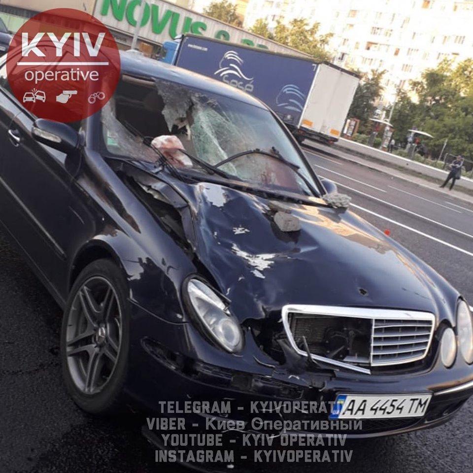 Київ: водій на шаленій швидкості вбив людину, залишив авто та втік -  - 68796584 780596312336457 2393990070433480704 n