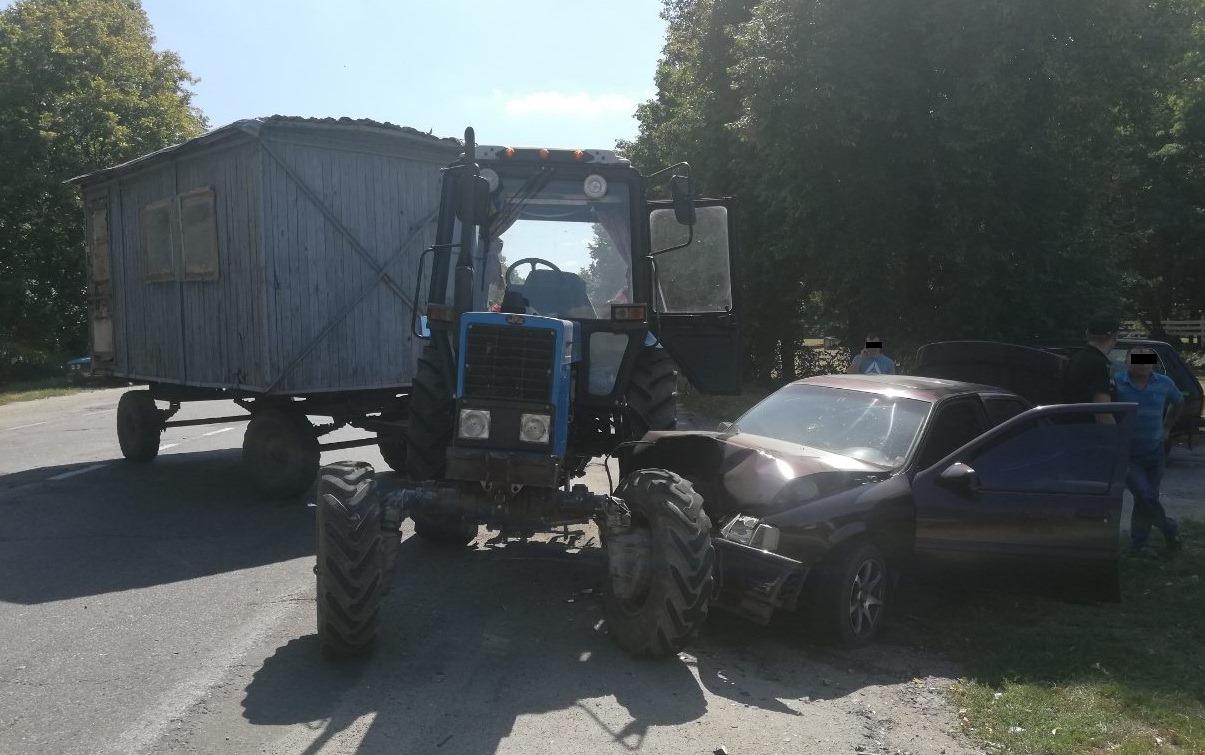 На Білоцерківщині авто зіткнулось з трактором: водій госпіталізований - ДТП, Білоцерківський район - 69011119 426902697944969 4469679715128442880 o
