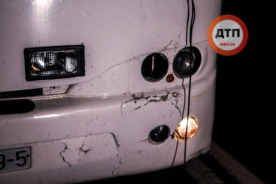 Вантажне авто збило пішохода і відкинуло на зустрічний автобус -  - 69361302 1410368999128989 8871874739438616576 n