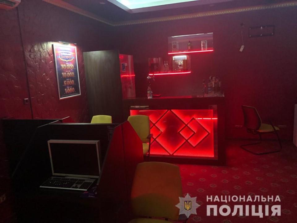 69405931_2424554080933083_4144808113981095936_n У Василькові викрили черговий незаконний салон грального бізнесу