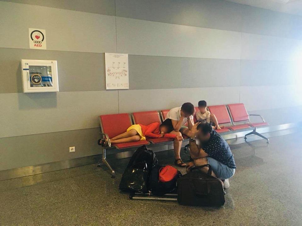 """69537371_636826956803876_7326808371221233664_n Іноземці знищили паспорти у вбиральні аеропорту """"Бориспіль"""""""