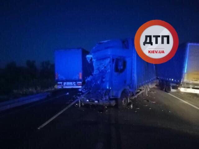 ДТП на трасі Київ-Харків: водій фури не помітив іншу вантажівку -  - 69544736 152243205974926 8583151816437399552 n