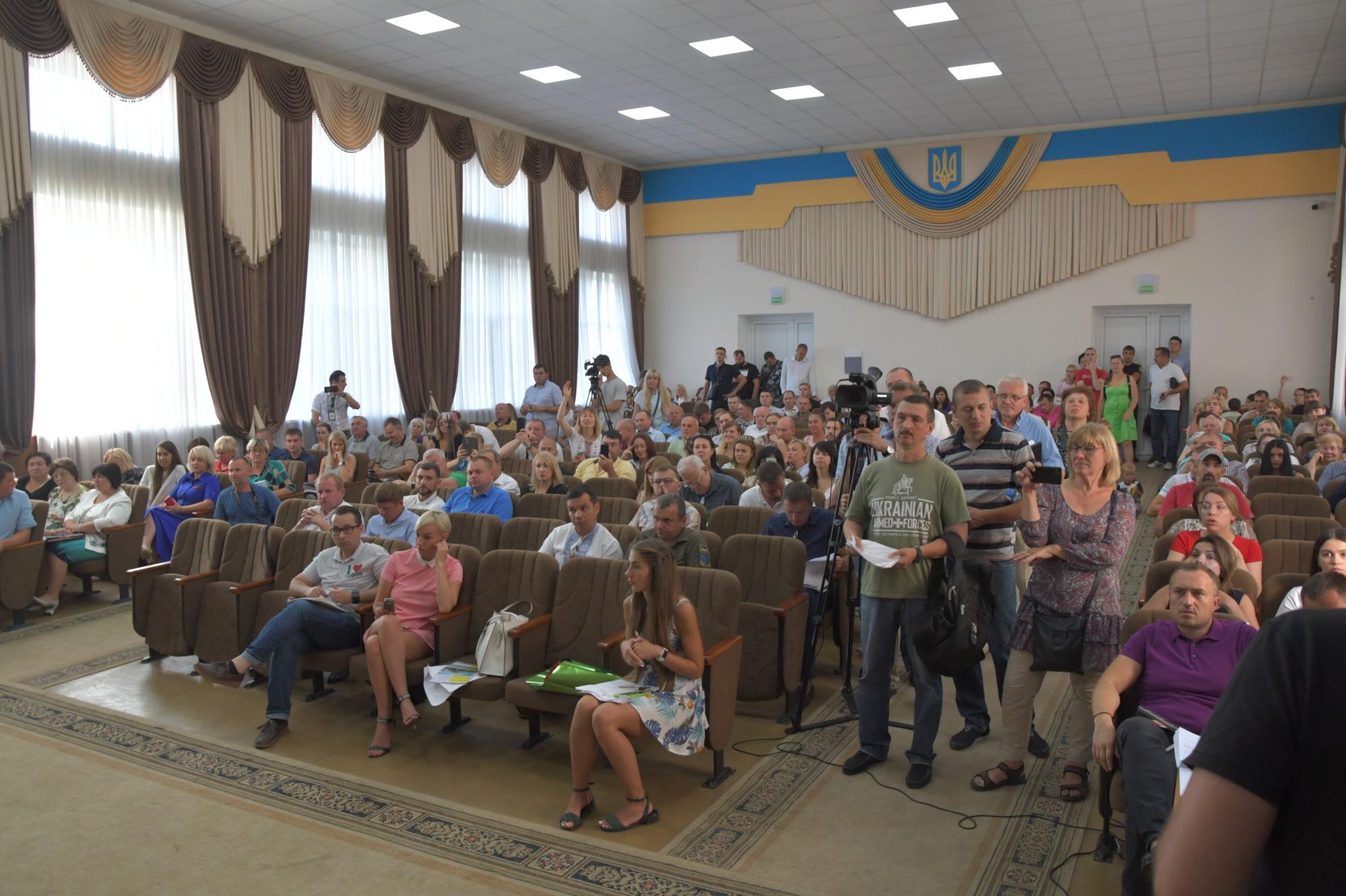 """Засідання Ірпінської ради: спалення шин, """"чергова"""" школа на заплаві та поїздки в Польщу до Карплюка -  - DSC 3784 2000x1333"""