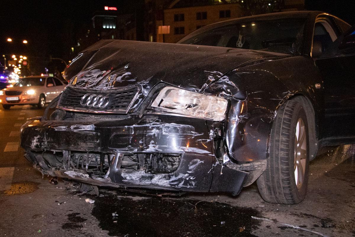 DTP-5-of-9 ДТП у столиці: Audi протаранив ВАЗ