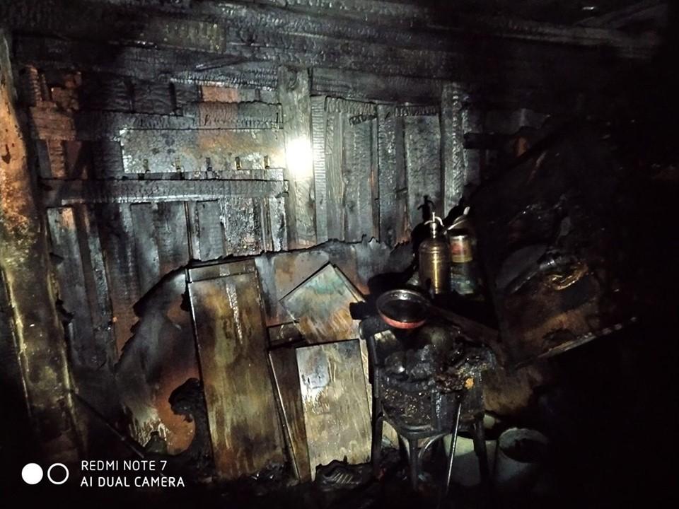 У серпні в Приірпінні знову горів гараж: цього разу вогонь пошкодив майно у Бучі - рятувальники, Приірпіння, пожежа, київщина, ДСНС України у Київській області, гараж, Буча - Garaz Bucha 1