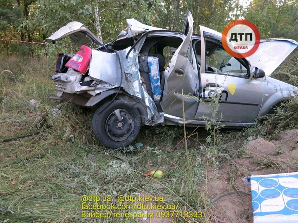Смерть на Гостомельському шосе: у таксі загинула жінка, водій та пасажир – госпіталізовані - смертельна аварія, Приірпіння, київщина, ДТП, Гостомельське шосе, Гостомель - Gost shose Uklon 1