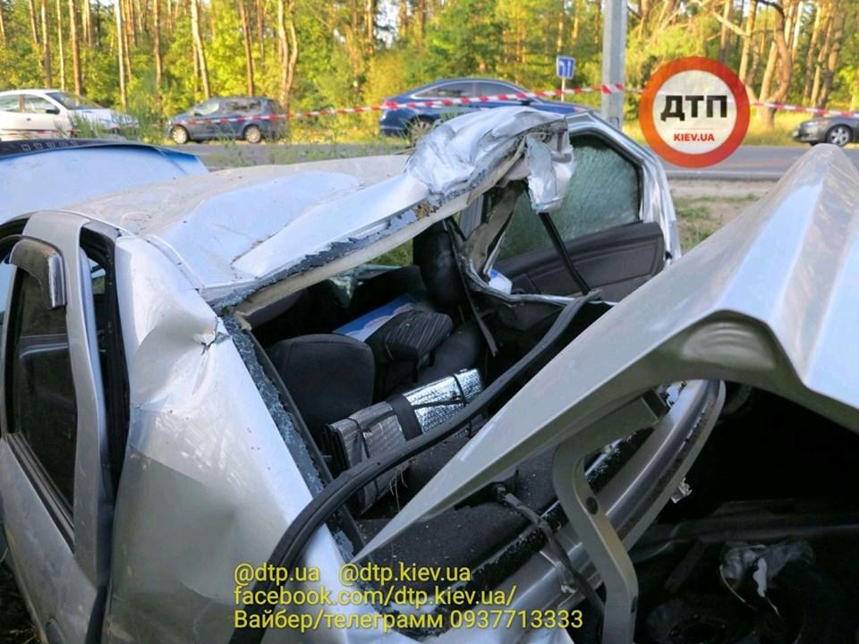 Смерть на Гостомельському шосе: у таксі загинула жінка, водій та пасажир – госпіталізовані - смертельна аварія, Приірпіння, київщина, ДТП, Гостомельське шосе, Гостомель - Gost shose Uklon 3