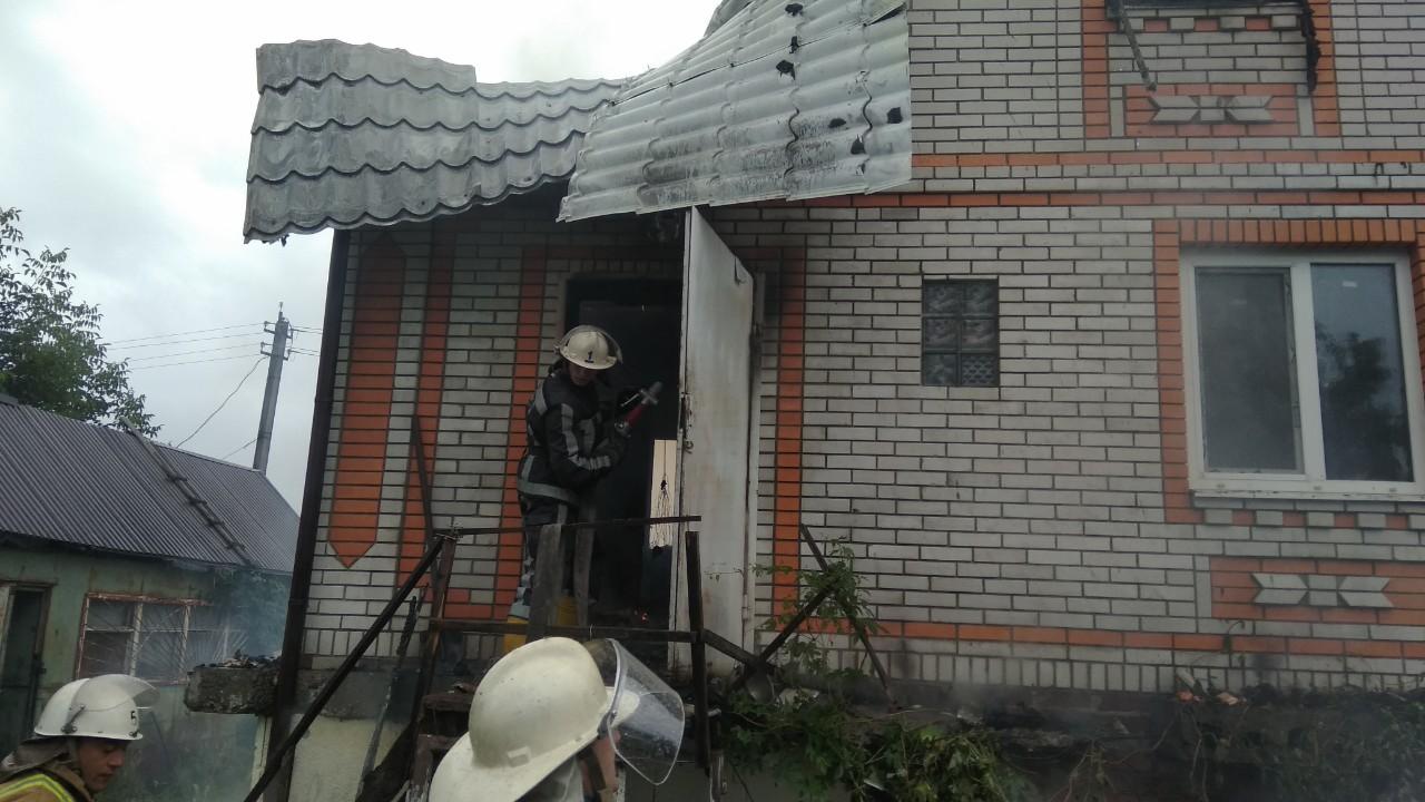 На Білоцерківщині загорівся будинок 05.08.2019 - пожежа, ДСНС, Білоцерківський район - IMG 0e915d868fbe9a8b3f849c1d9587b4f0 V