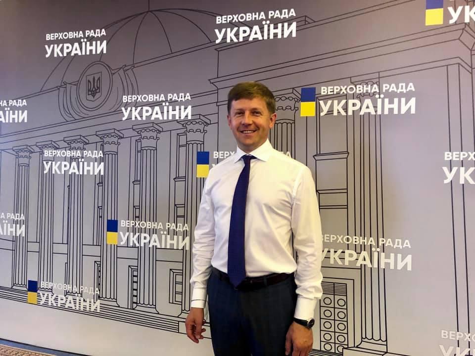 Колишній депутат з Вишневого тричі не зміг проголосувати у ВР -  - Nagornyak