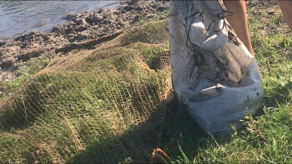 З «волоком» – на раків та рибу: на Білоцерківщині порушники риболовлі завдали понад 9000 гривень збитків - назаконна риболовля, київщина, Київський рибоохоронний патруль, Дрозди, браконьєри, Білоцерківський район - Porush rybolov 1