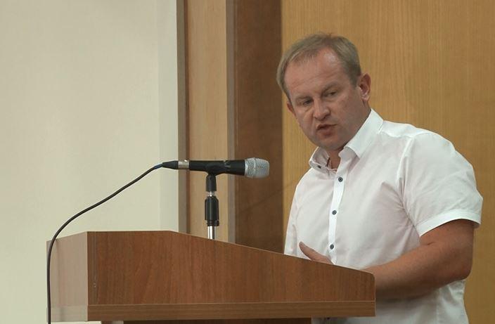 """Засідання Ірпінської ради: спалення шин, """"чергова"""" школа на заплаві та поїздки в Польщу до Карплюка -  - Snymok12"""