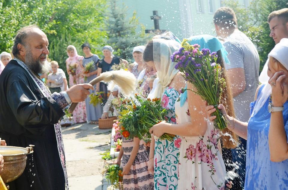 Spas-Med Медовий Спас у Приірпінні: прочани воздають Господу осанну